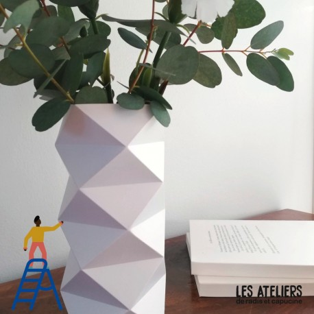 Atelier fabrication d'un vase en origami