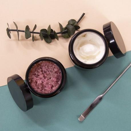 Atelier Les rituels Soin du corps : un gommage et au choix une chantilly de karité ou 3 galets de crème solide