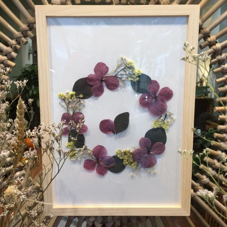 Atelier Herbier cadre avec feuilles et fleurs sechees